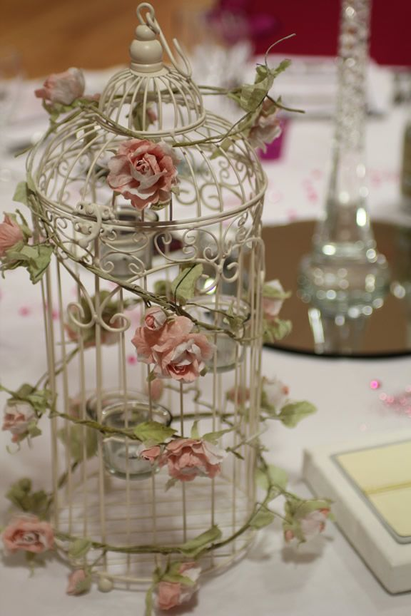 .Love bird cages. ♥
