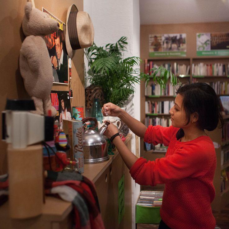 @Delphine | Erika Firm Bedel Les magasins solidaires Oxfam en France
