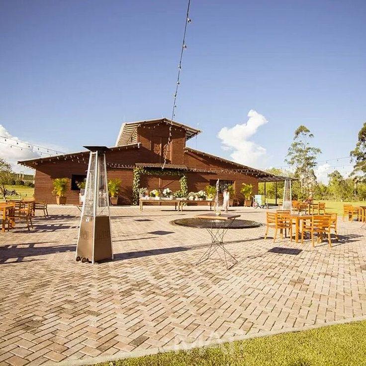 #ElEstablo se abre paso entre vegetación exuberante, para brindarte toda la belleza y el confort en una locación de ensueño. Foto www.matfotografia.com