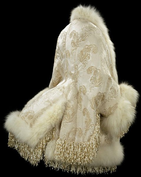V: Emile Pingat, Silk voided velvet, white artic fox and silk chenille fringe, lined with machine-quilted satin, 1885