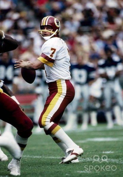 Washington Redskins quarterback Joe Theismann #7, former Notre Dame player, in action against the Dallas Cowboys at RFK, 9-6-1981