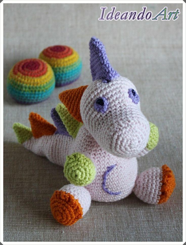 Dragón amigurumi de crochet en colores suaves by IdeandoArt. Lo puedes comprar aquí: http://es.dawanda.com/shop/ideandoart