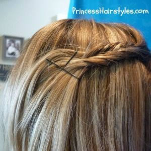 fishbone braided bangs hairstyle (surely if this little girl can do it, I can too!)