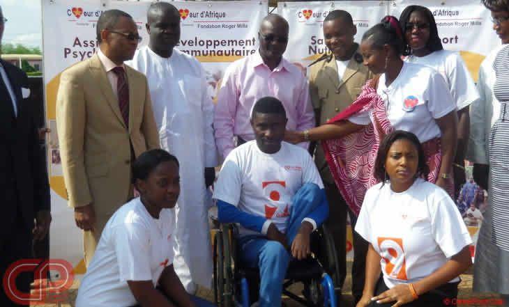 Cameroun - Santé publique: Roger MILLA au secours de Mfou - 16/08/2014 - http://www.camerpost.com/cameroun-sante-publique-roger-milla-au-secours-de-mfou-16082014/