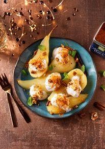 Gepocheerde peren met kokosyoghurt en Baharat 'crumble'