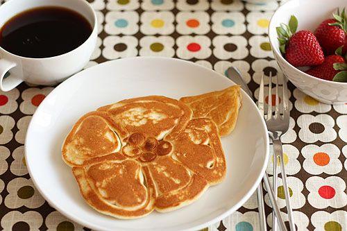 Flower Shaped Pancakes | Not MarthaMake Flower, Shape Pancakes, Flower Pancakes, Ketchup Bottle, Pancakes Flower, Ideas Flower, Food Art, Pancakes Batter, Pancakes Art