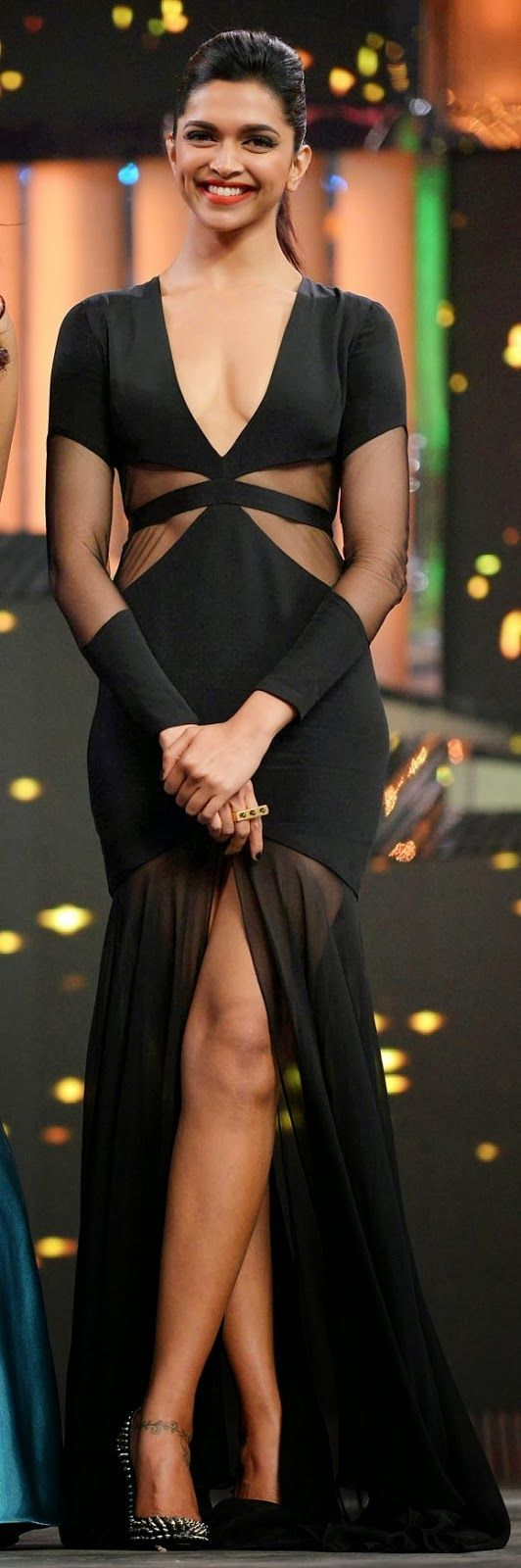 Deepika Padukon #Bollywood Celebrity in Black Dress