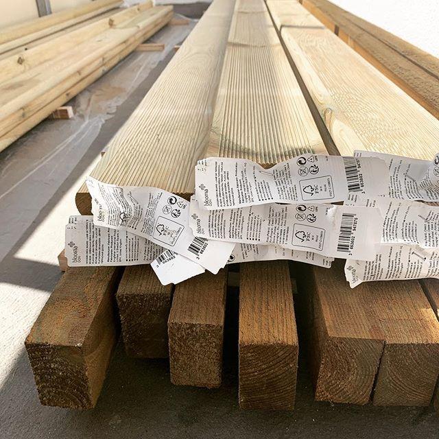 Tarasik Na Calego Juz Wkrotce Otwarcie Poznan Remont Balkon Taras Drewno Ryobi Przyjmuje Zamowienia Instagram Wood Crafts