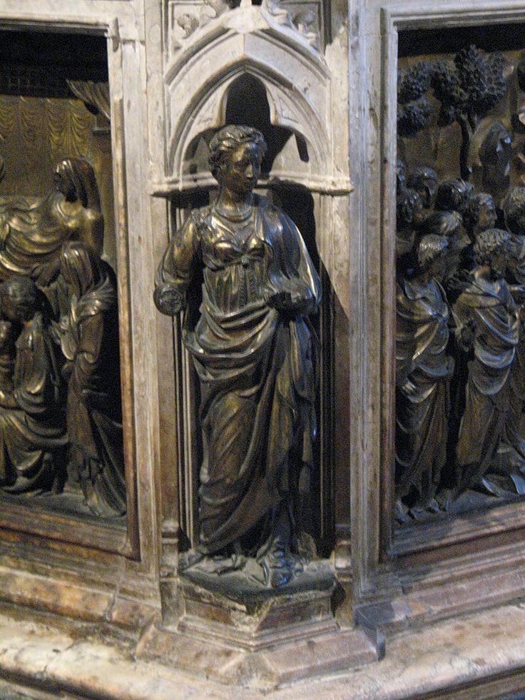 Милость (Дж. Турино),слева от неё...Рождение Иоанна Крестителя (Турино ди Сино, 1427);а справа -Проповедь Иоанна Крестителя (Дж. Турино);