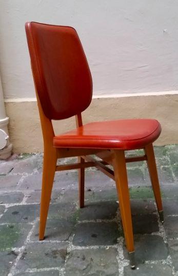 Chaises vintages 70's : 35€  vues sur : Henrie chine https://www.facebook.com/henriechine?fref=ts