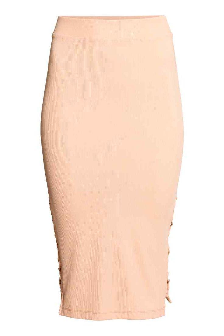 17 meilleures id es propos de tenues avec jupe crayon sur pinterest tenues professionnelles. Black Bedroom Furniture Sets. Home Design Ideas