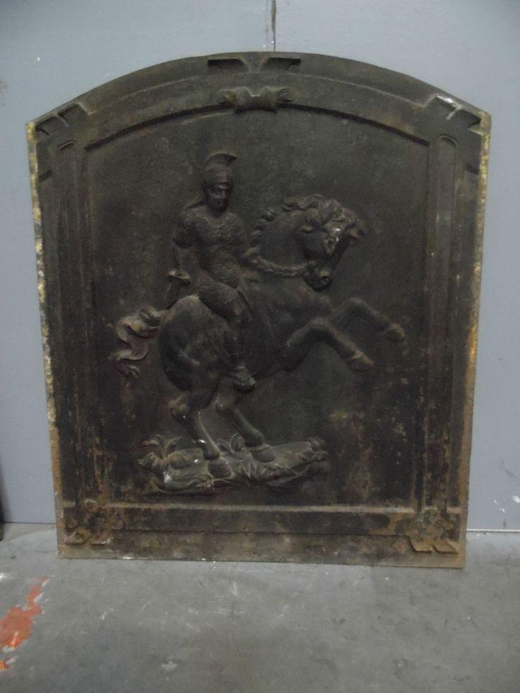 plaque de cheminée en fonte de fer XIX siècle décor combatant à cheval