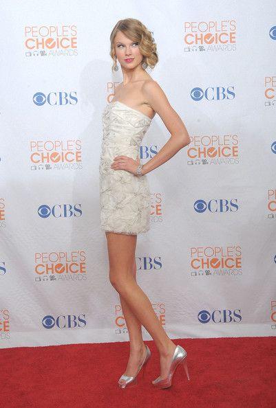 Taylor Swift Photos: People's Choice Awards 2010 - Press Room
