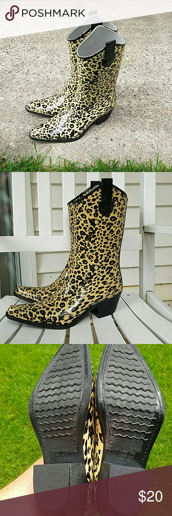 "Super Cute Leopard Print Rubber Cowboy Boots! Really fun rain boots!! Leopard print cowboy boot style, with approx.2"" heel.  They are marked a 10 (Eur 40,) which technically they may be due to length of insole, but...with the pointed toe, they are definitely going to fit a size 9 (or 9 1/2?) much better.  Worn once, in the garden, so no scuffing or rubbing from hard surfaces. They do have some light soil marking on the sole that I just cannot get off because of the texture of the rubber…"