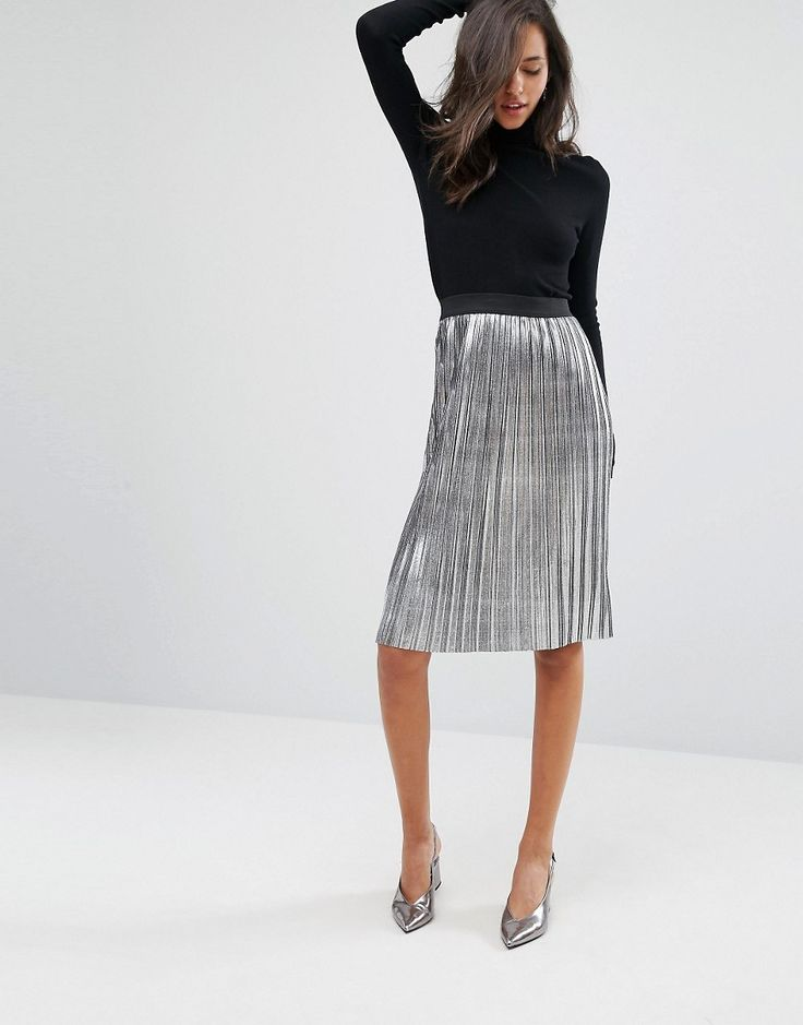 Get this Miss Selfridge's knee skirt now! Click for more details. Worldwide shipping. Miss Selfridge Metallic Pleated Midi Skirt - Silver: Midi skirt by Miss Selfridge, Pleated metallic fabric, Mid rise, Elasticated waistband, Regular fit - true to size, Machine wash, 100% Polyester, Our model wears a UK 8/EU 36/US 4 and is 178cm/5'10 tall.  (falda por la rodilla, rodilla, rodillas, medio largo, media pierna, knee-length, knee length, 3 / 4 length, midi skirt, mid-rise, longuette por la…