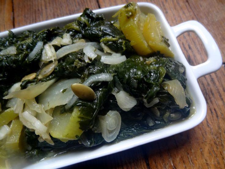 Voici la recette très saine et vegan des épinards et courgettes aux graines de courges. Une recette du sud de l'Afrique : le Lesotho. Un régal de légumes.