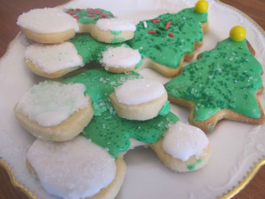 """This post is part of our series on my cookie swap tradition.Every December, for the past ten years, I've invited friends to join me in a cookie exchange. Over the years, our party has evolved into a mother-daughter event, hence the many recipe contributors listed on some of the posts!... <a href=""""http://food.lohudblogs.com/2014/12/01/christmas-trees-and-elf-hats-the-journal-news-cookie-swap-2014/"""">Read More →</a>"""