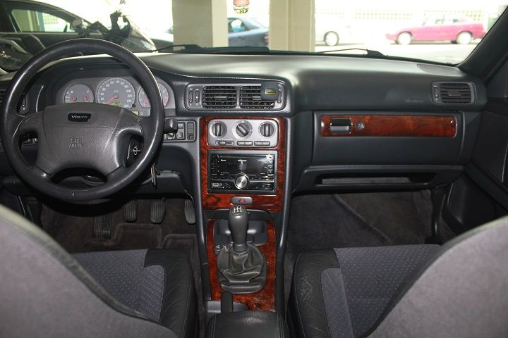 compra-venta-vehiculos-ocasion-navarra-pamplona-segunda-mano-coches-automoviles-usados-diesel-gasolina-monovolumen-seminuevo-iruna-auto-volvo3