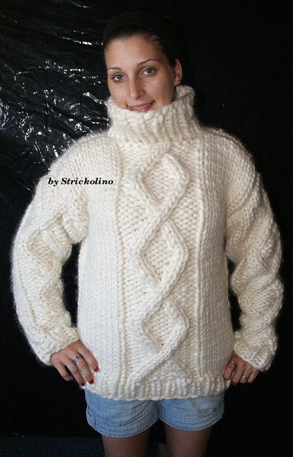To order !!! 3kg chunky kabel turtleneck sweater hand knitted by Strickolino 100% merino sheep wool