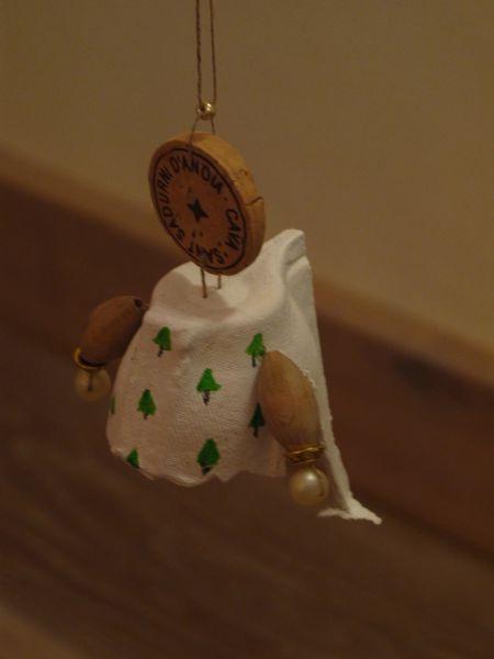 Nanka's page: eggbox angel