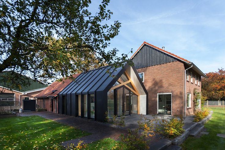 Deze boerderij in Aalten heeft een prachtige moderne uitbouw -Roomed