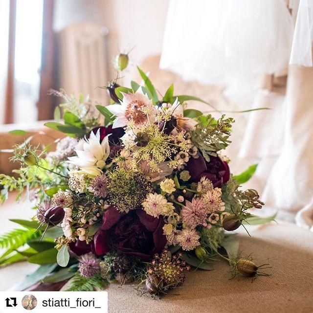 #Repost @stiatti_fiori_ with @get_repost  Spontaneous  Thanks to @matteocuzzolaphotography  Venue: @laselvatuscanvilla  #weddingintuscany #tuscanywedding #tuscanyweddingphotographer #bridalbouquet #bouquet #brideprotea #fern #ammivisnaga #astrantia #peonies #waxflowers #acacia #eucaliptus #weddingday #nigeadamascenaflower #weddingday #bride #weddingmoment #weddingphotography