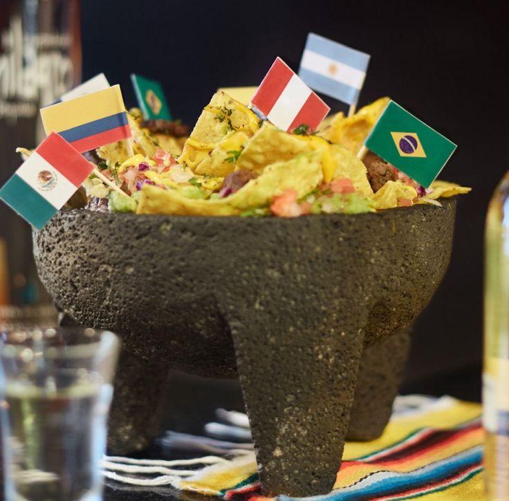 Nachos con carne • El típico pasaboca mexicano, para darle picante al partido.• Conoce más de esta receta en www.cocinarte.co