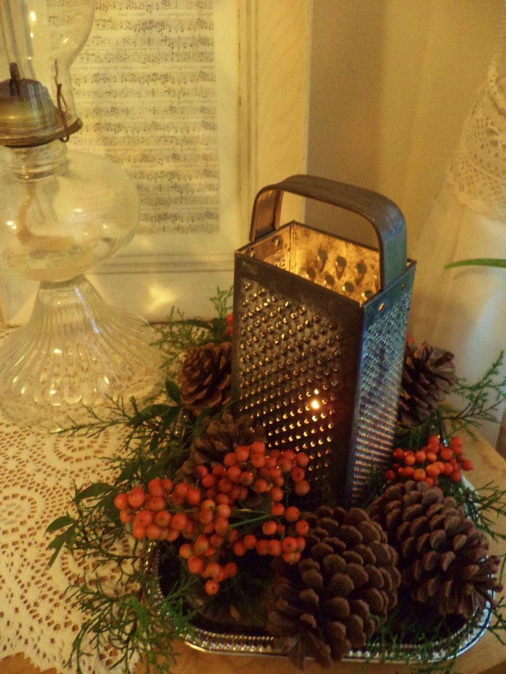 Top Christmas Lantern Decorations That Brighten Pinterest Christmas Boards | Easyday