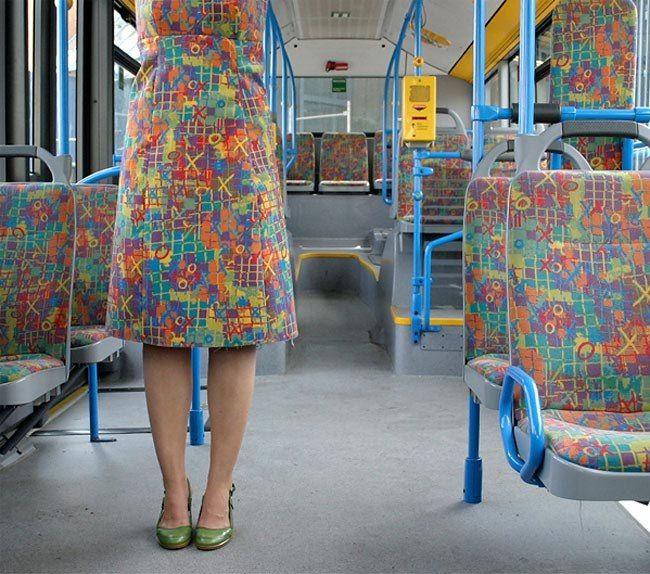 Одежда из обшивки автобусных сидений http://artlabirint.ru/odezhda-iz-obshivki-avtobusnyx-sidenij/  Когда дизайнер решила сшить одежду из обшивки автобусных сидений Как и каждый из нас немецкая художница и дизайнер Менья Стивенсон (Menja Stevenson) потратила приличное количество времени в поездках на городских автобусах. В...
