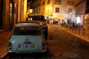 Rue du quartier de l'Alfama Lisbonne