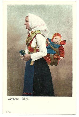Sweden postcard WOMAN & BABY Folk Costume Mora early 1900s unuse
