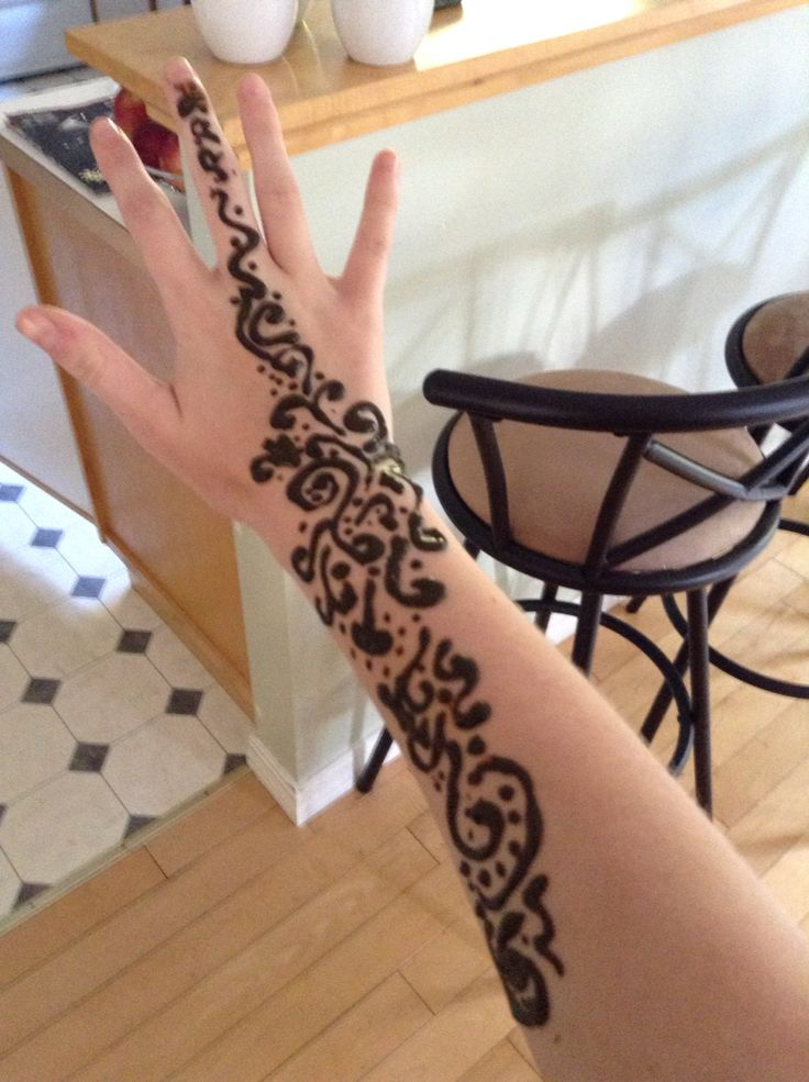 My first time doing henna