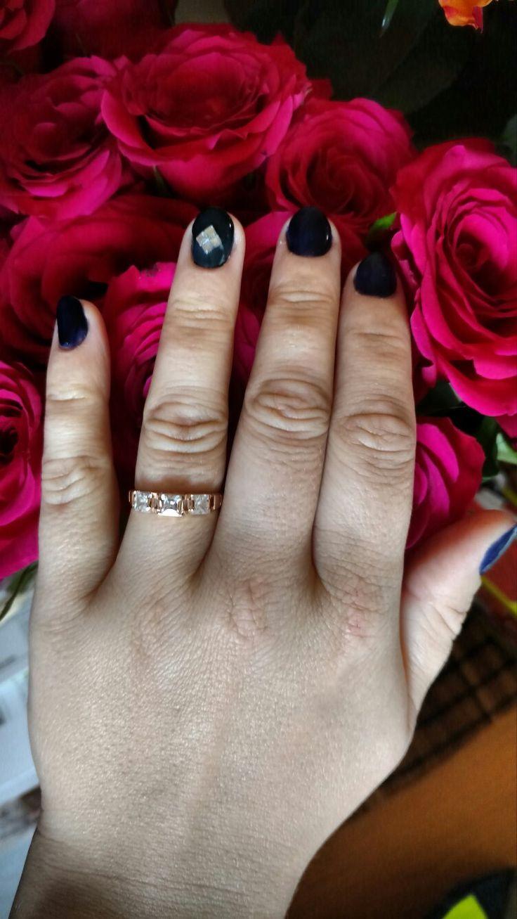 Simple is better :) dark blue gel with simple nail design. https://m.facebook.com/Z.rune/