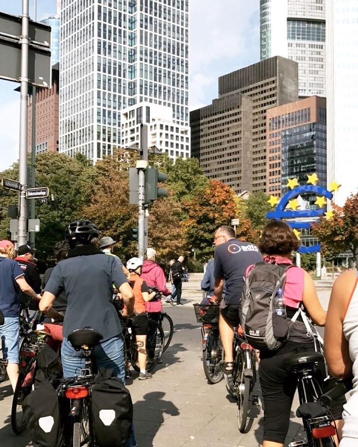 Im Rahmen der Europäischen Woche des Sports haben in Frankfurt verschiedene sportliche Aktivitäten statt gefunden Wir waren heute bei der Fahrradtour - Herbstlich in Frankfurt von dem @adfc.de dabei und finden es schade dass die Woche schon rum ist. Schaut gerne mal in den Instagram Stories vorbei