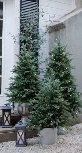 CHEAP BUT STUNNING OUTDOOR CHRISTMAS DECORATIONS I…