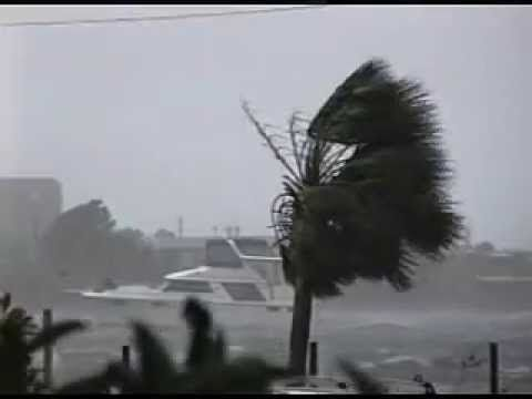 cool Hurricane Opal - Fort Walton Beach, FL - October 4, 1995 Check more at http://sherwoodparkweather.com/hurricane-opal-fort-walton-beach-fl-october-4-1995/