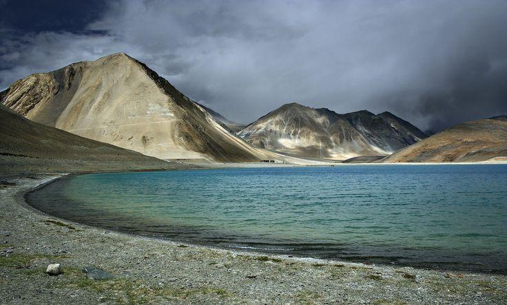 High altitude lake of Pangong Tso 14000ft above MSL Ladakh India[1300800][OC] #reddit