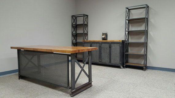 Komplettes industrielle Büro einrichten... Carruca Rezeption + industrielle Credenza + 2 x Stahl-Rahmen Helvetica Regale Einheit