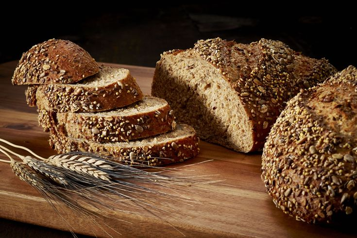 Καλημέρα...Για όσους επιλέγουν την υγιεινή ζωή,στο κατάστημά μας θα βρείτε πολύσπορα ψωμιά αφράτα και γευστικά! #geush #polusporo #pswmi