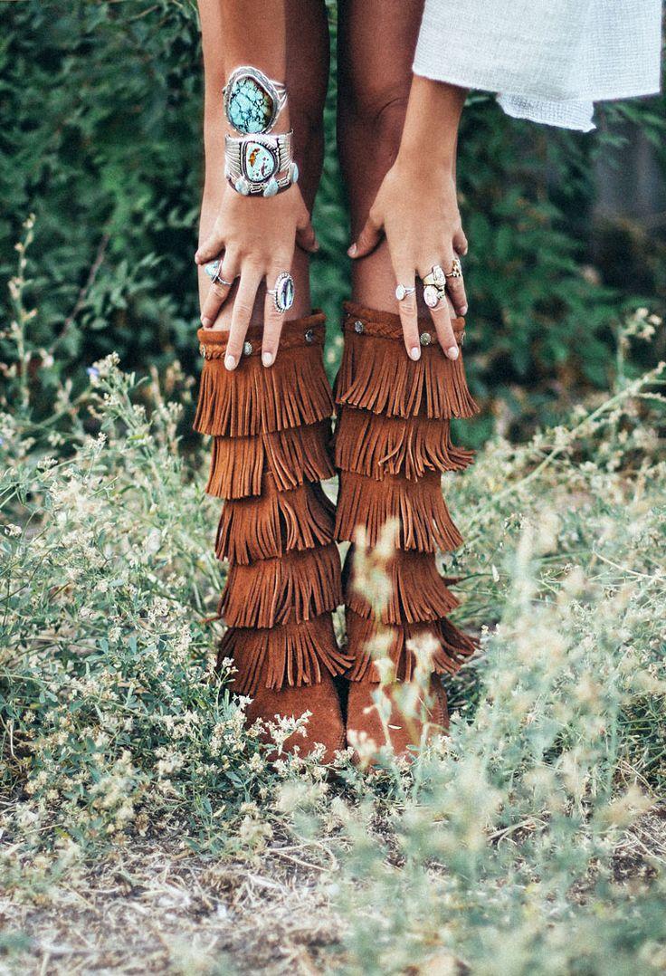 25 Ways to Wear Fringe featuring Tessa | Minnetonka Moccasin