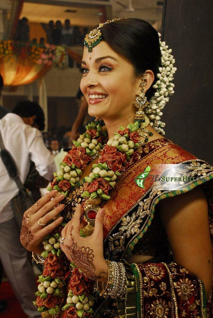Aishwarya Rai's South Indian style godh bharai