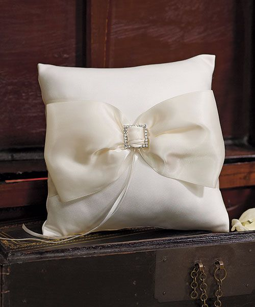 Beverly Clark Duchess Collection Ring Pillow
