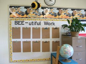 Clutter Free Classroom Bee Themed