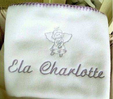 Anneler bu renkli, desenli ve isme özel battaniyelere bayılıyor ve bebekler büyüdüğünde bile uzun yıllar saklıyor. http://www.kidomino.com/polar-battaniye