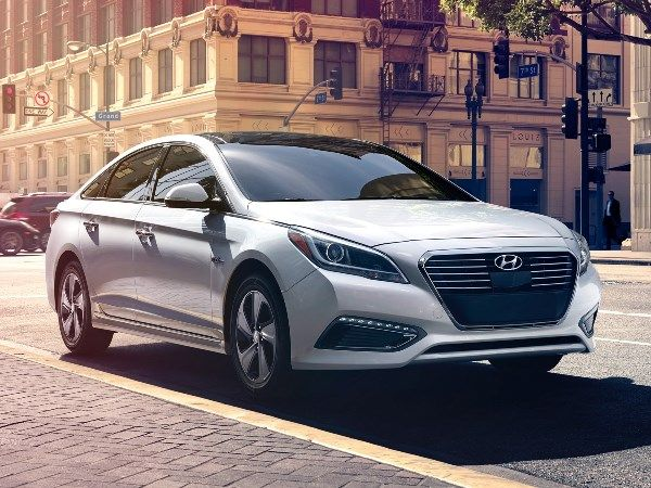 2017 Hyundai Sonata is the featured model. The 2017 Hyundai Sonata Release  image is added in car pictures category by the author on Apr