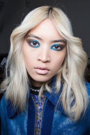 Eyeliner turchese per Karen Walker autunno /Inverno 2015-16