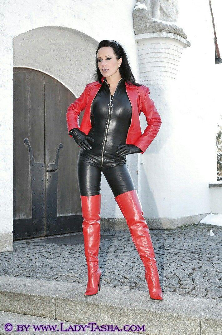 Kim Kardashian Loves Her Leather