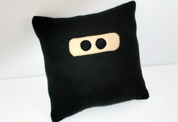 OMG. I have to make like 6 of these and hide them around the house. Ya know. For stealth ninja pillow attacks.