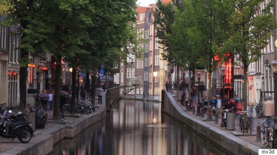 Amsterdams 3D-Printed Steel Bridge To Be Drawn Mid-Air By Robots