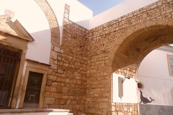 Faro walls